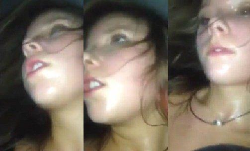 Adolescente tendo orgasmos